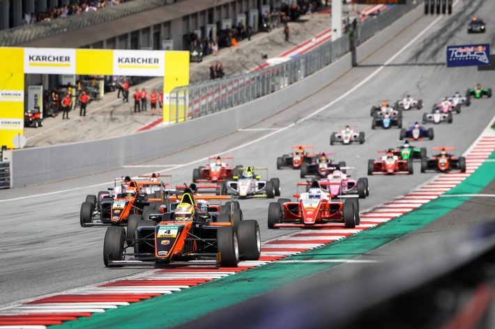 highlight des jahres die adac formel 4 zu gast bei der formel 1 - Highlight des Jahres: Die ADAC Formel 4 zu Gast bei der Formel 1