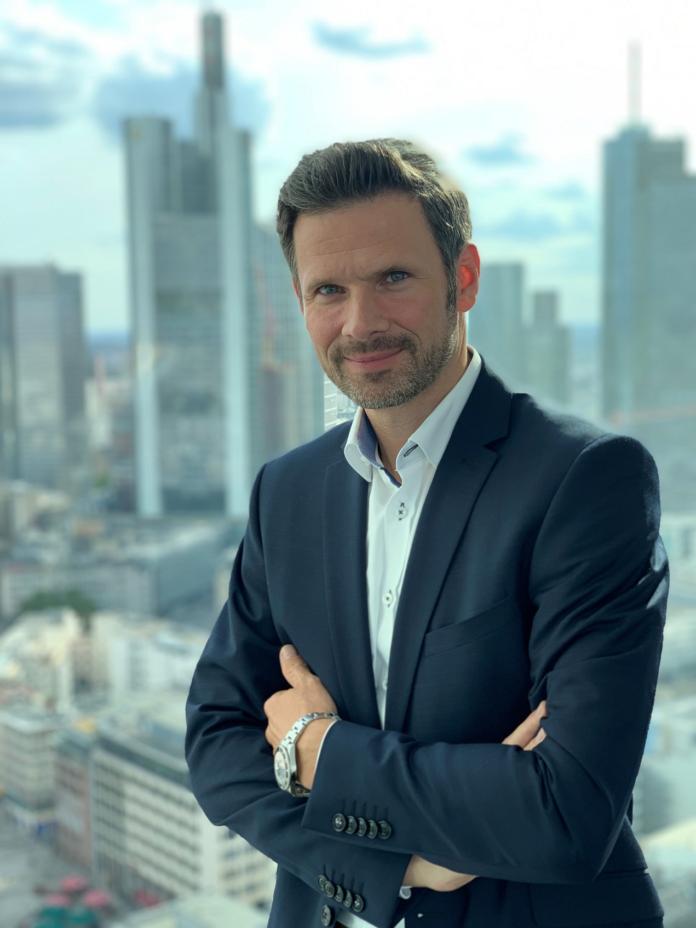 373030 696x928 - AvePoint erobert den DACH-Markt: über 30 Prozent Umsatzsteigerung, 20 Prozent Personalwachstum und neuer Standort in Frankfurt am Main