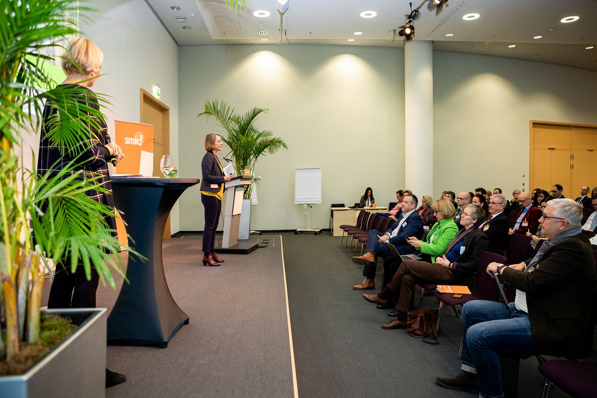 SMIC-Nuernberger-Unternehmer-Kongress-2019-0822-GSK2-Saal-Shanghai-Buehne