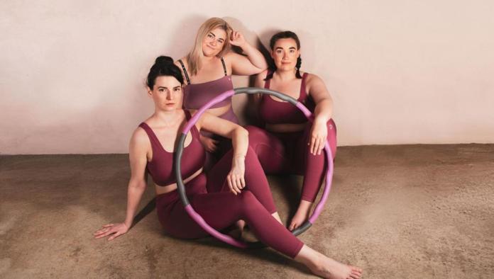 404542 696x394 - Curvy Hula Hoop - Der Feelgood Fitness Trend