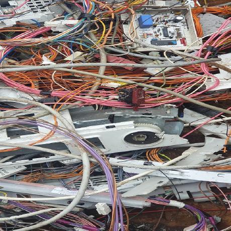 image 1 136 - Wir holen in Ratingen und Umgebung Ihren Metallschrott ab