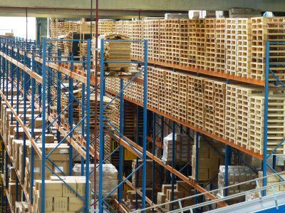 logistikunternehmen hochregale pakete und paletten - Kaum Pause - Betriebsverpflegung bei Paketzusteller, Transport- & Logistikunternehmen